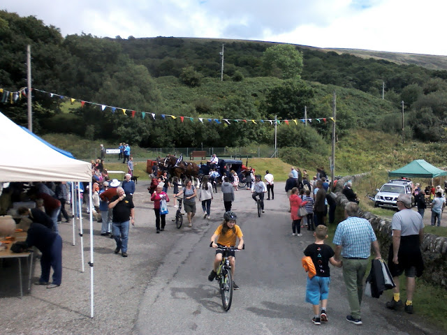 The sun came out for theColintrave village fate 2018