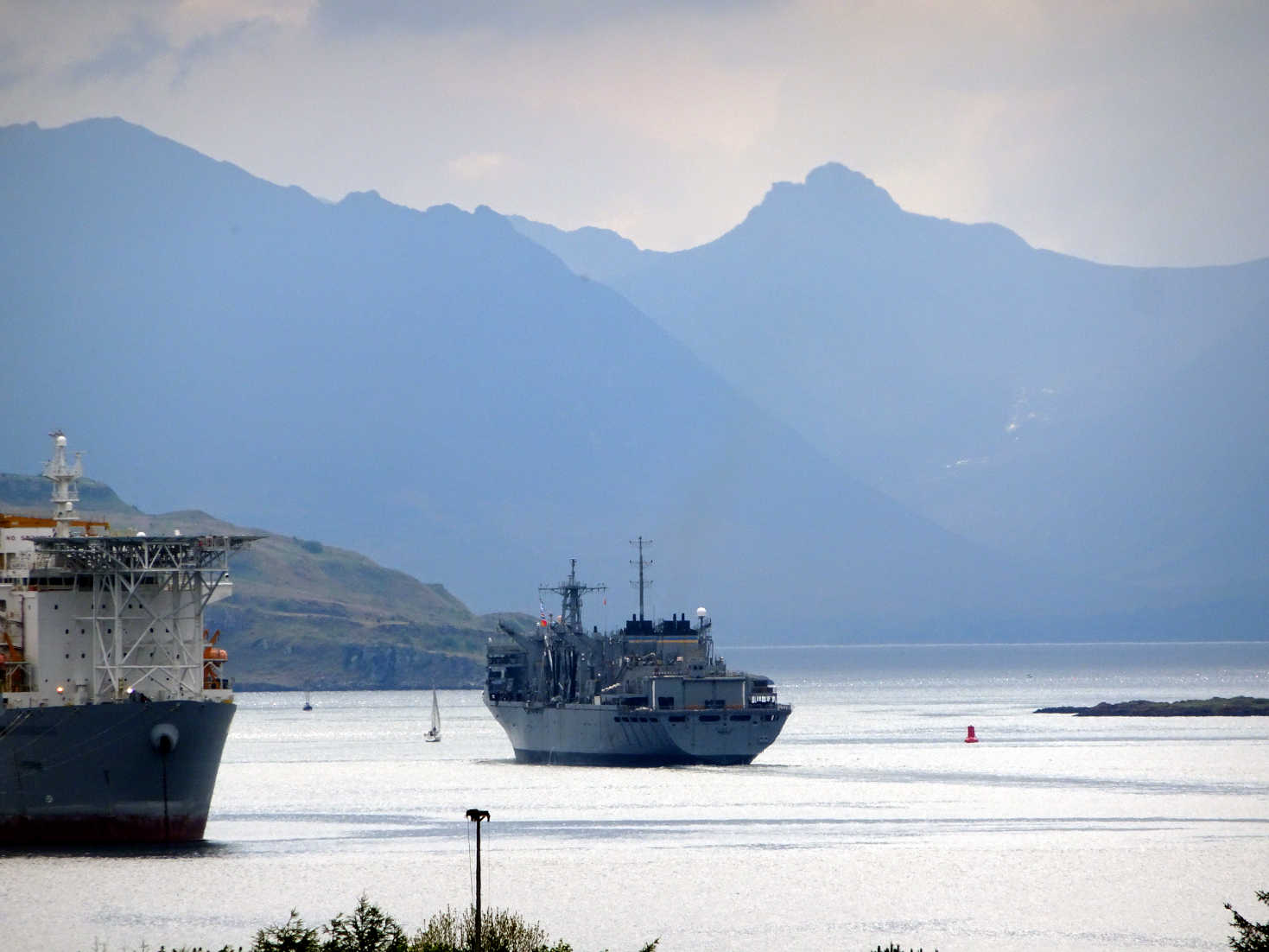 american warship leaves the clyde