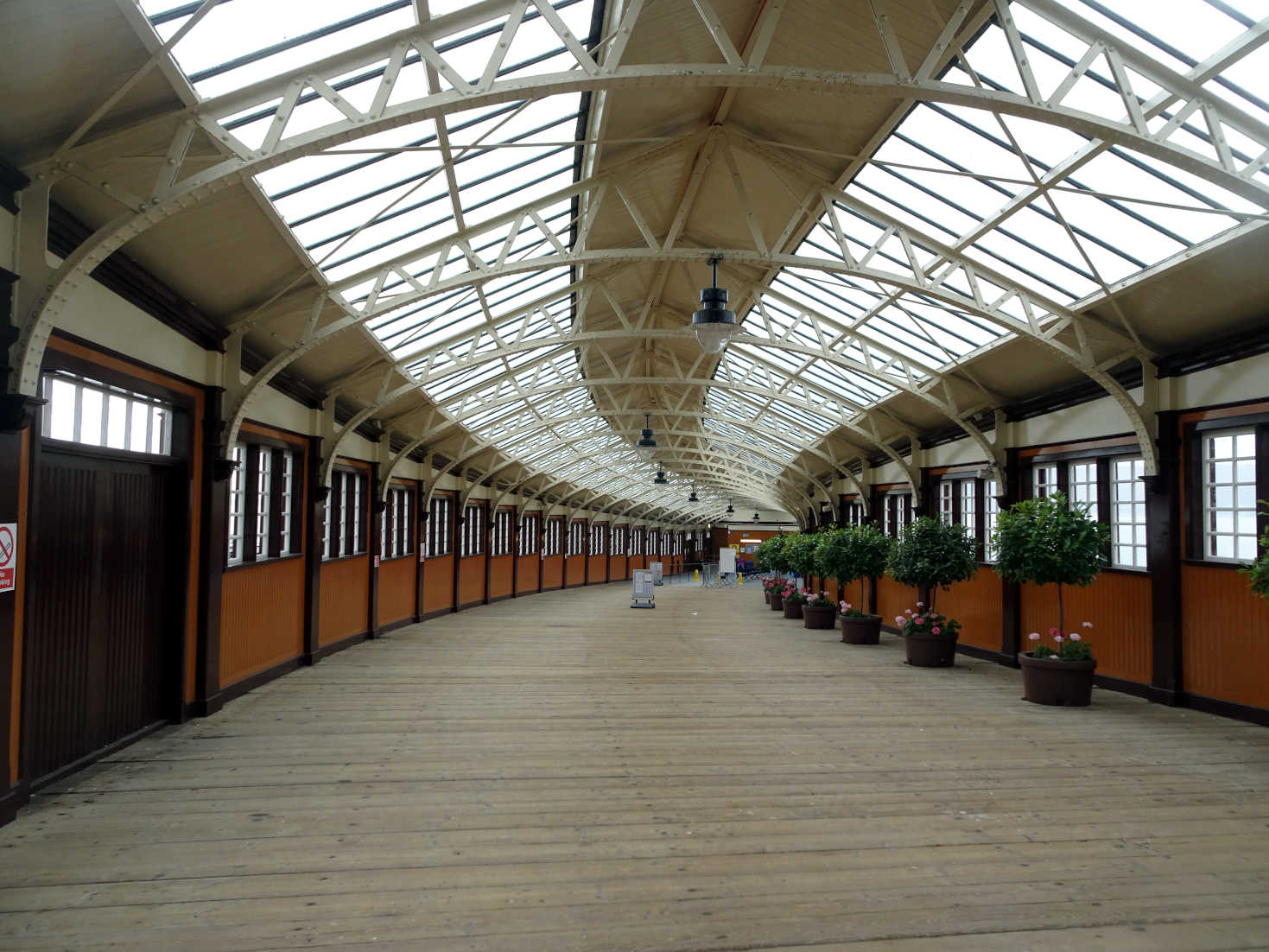 wemyss bay station to ferry